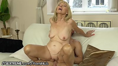 21SeXtreme Horny Granny Rides Young..