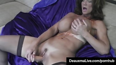 Hot Blooded Cougar Deauxma Dildo Fucks..