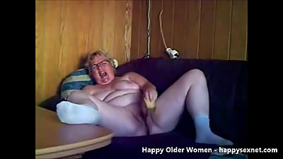 Horny exhibitionist granny. Amateur..