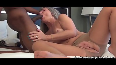 Mature fucked and creampied in her..