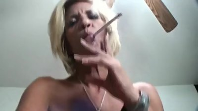 Smoking skinny GILF fucked