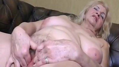 Big Tit Mature Fingering