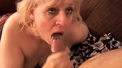 Big beautiful old spunker gives an..