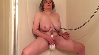 Hot body granny cumming again by..