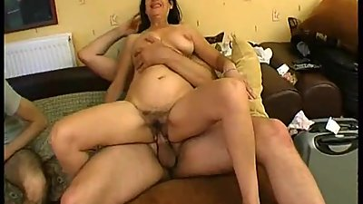 UGLY AMATEUR MATURE GROUP SEX