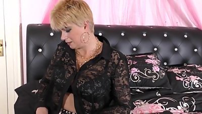 Mature blonde in stockings masturbation