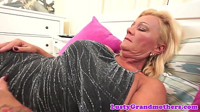 Bigtits granny sucks cock and gets..