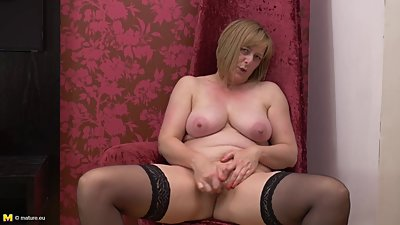 Lovely mature mother with nice tits..