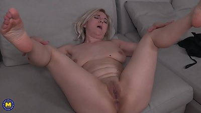 Mature mom Alma with saggy tits and..